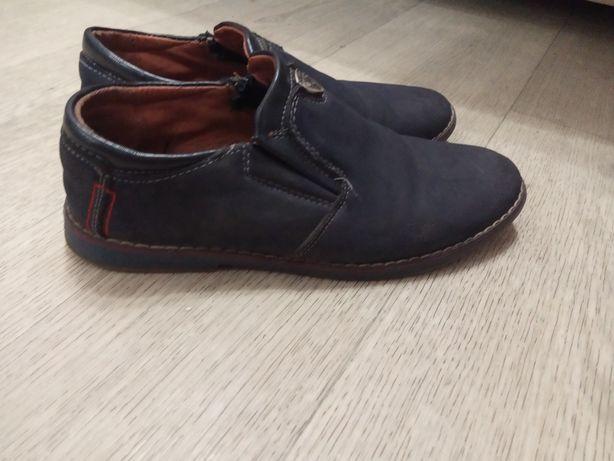 Туфли для мальчика 34 и 35 р.