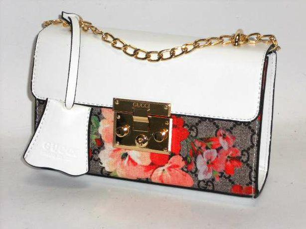 Biała mini kopertówka damska w kwiaty Gucci