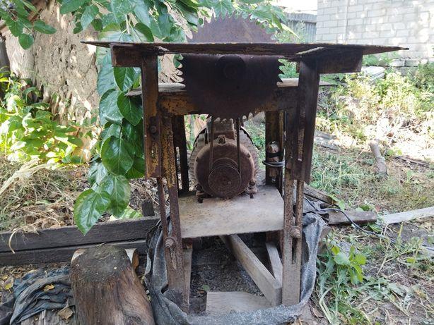 Пилорама циркулярка для резки дров