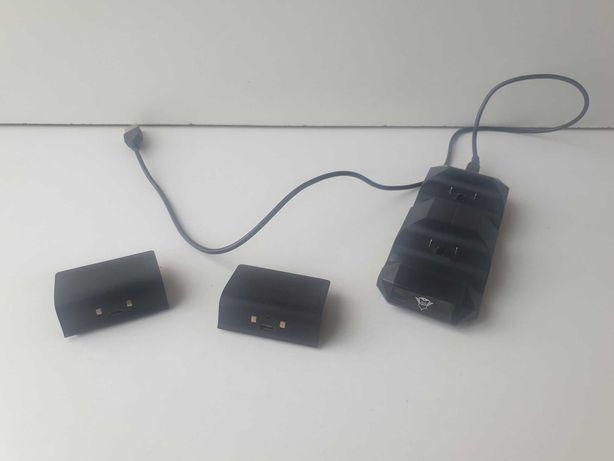 Stacja ładująca + dwa akumulatorki do padów Xbox One
