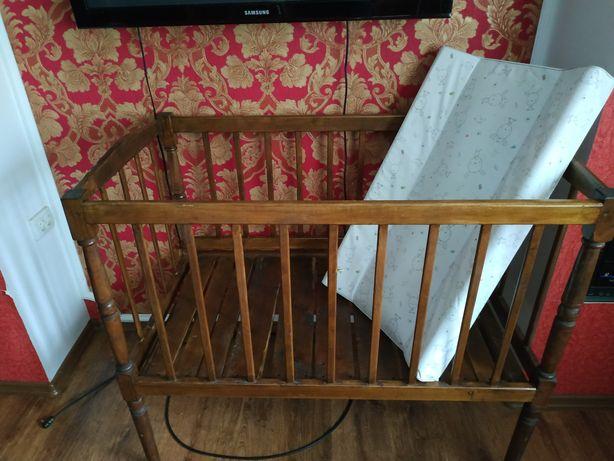 Кроватка та пеленатор(дитяче ліжечко)