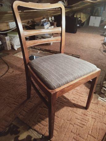 Krzesła stylowe drewniane