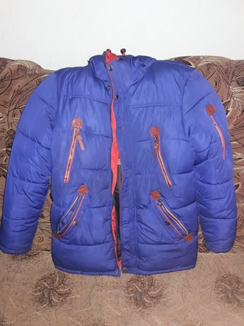 Продам зимнюю куртку (парку) на мальчика.