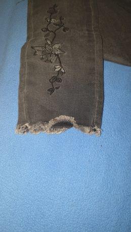 ПРОДАМ очень крутые джинсы на девочку