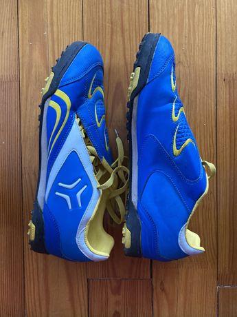 Кросівки для футбола