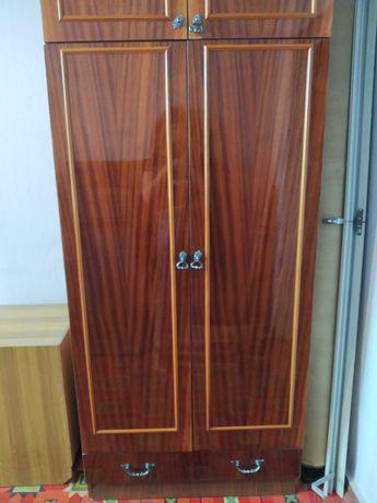 Шкаф плательный двухдверный с антрессолью и ящиком