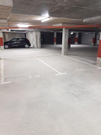 Stanowiska garażowe podziemne Wisławy Szymborskiej 2 (ścisłe centrum)
