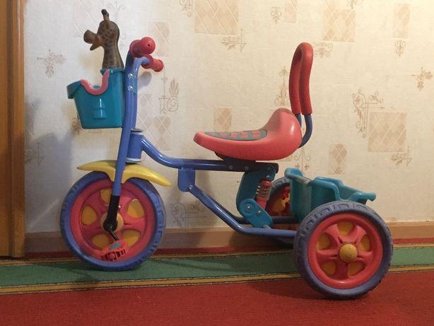 Детский трехколесный велосипед с сигналом