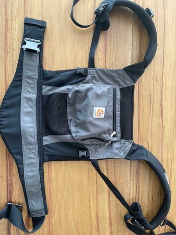 Ergobaby Original Baby Carrier with Cool Air Mesh, Charcoal Grey