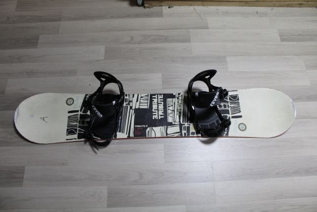 Deska Snowboard HEAD TRIBUTE 144 cm + Wiązania Raven