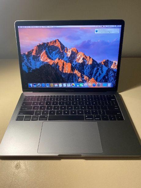 MacBook Pro 13 2016 i5 256 gb 8gb RAM 2.0 Ghz