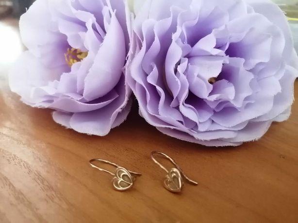 Золотые сережки сердечки очень нежные и удобные