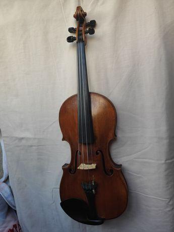 Скрипка старовинна 1856 року дуже добре збережена.