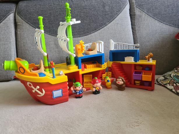 Statek piracki firmy Dumel