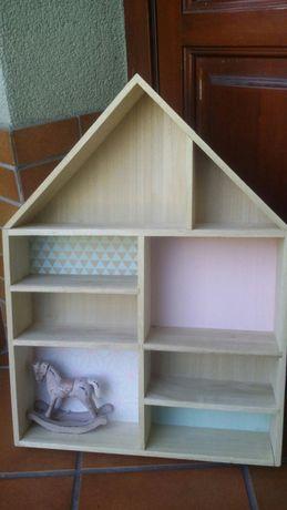 Półeczka do pokoju dziecięcego cudna ,drewno . Dodatki kolorowe