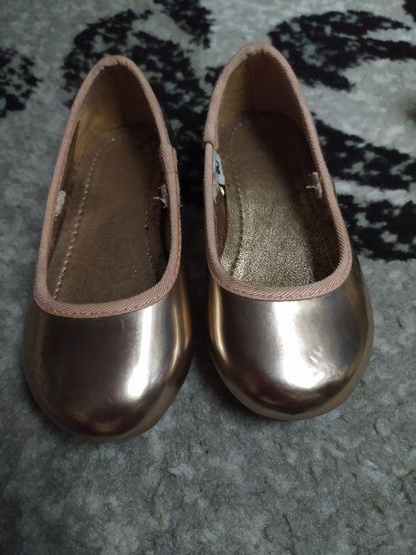Пінетки,туфлі
