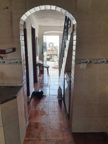 Casa 2 quartos cozinha casa de banho