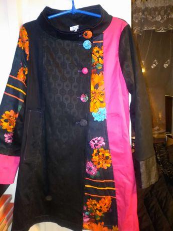 Śliczny patchworkowy płaszczyk R,40