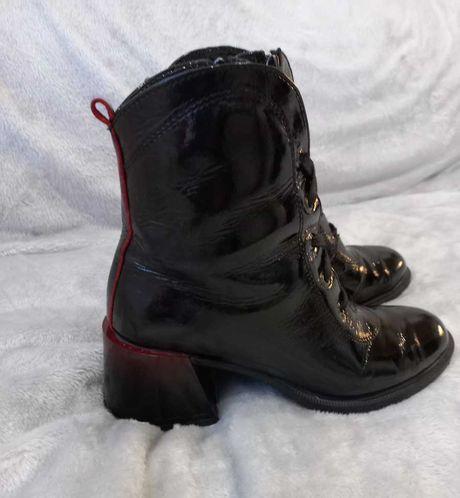 Ботинки, натуральный лак. 40 размер
