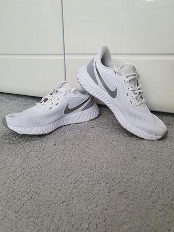 NIKE Revolution buty sportowe białe 40