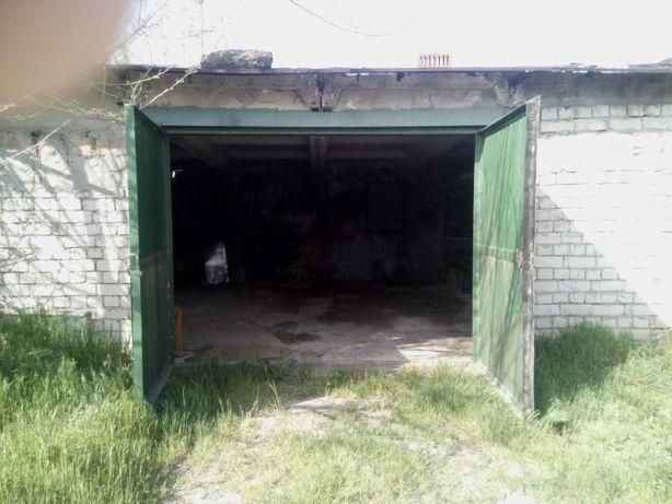 Продам каменный гараж 36 кв.м.(6х6) с подвалом, пгт Хлебодарское