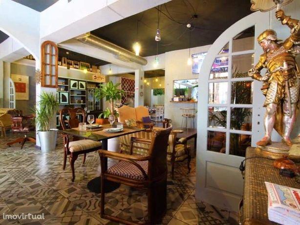 Elegante Restaurante tapas e Lounge bar no centro de Alma...