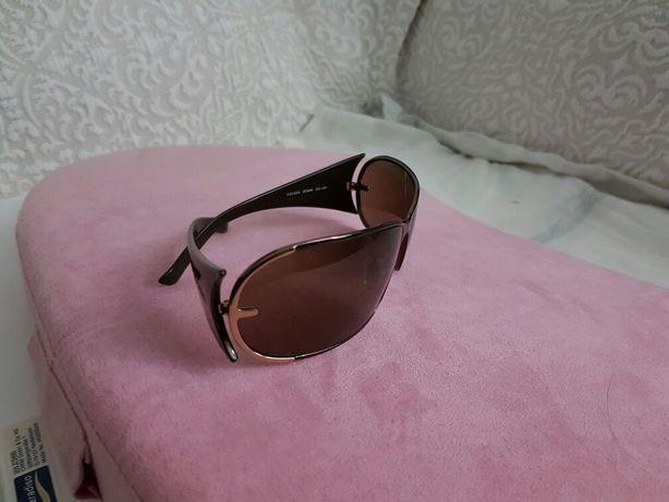 Óculos de Sol ESCADA (marca genuína)