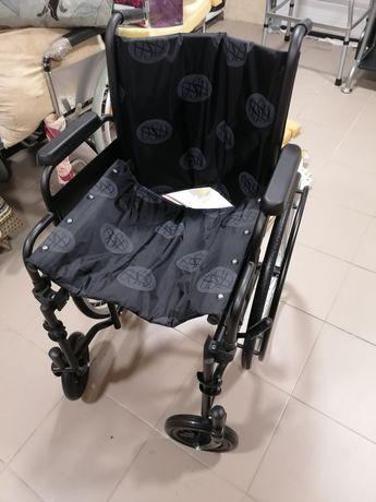 Кресло - каталка (для инвалидов)