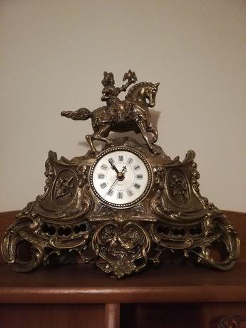 Piękny stary zegar