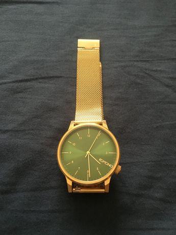 Relógio dourado Komono
