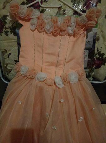 Нарядное,нежное платье для девочки!