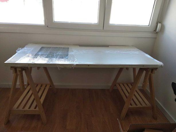 Estirador c/ mesa luz e cavaletes