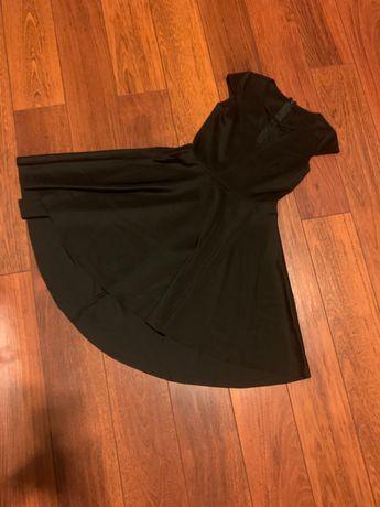 Sukienka czarna z siateczka na dekolcie
