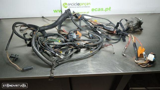 Instalação Eletrica Motor Renault Megane Ii Três Volumes (Lm0/1_)
