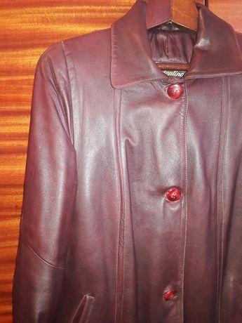 Шкіряне пальто жіноче