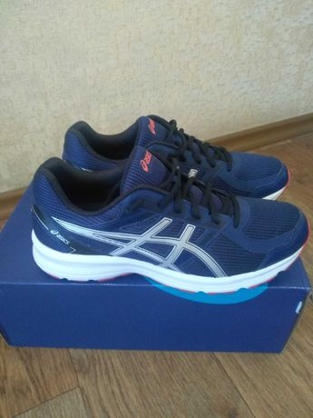 Новые оригинальные кроссовки ASICS