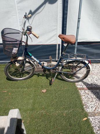 Bicicleta de senhora para restaurar
