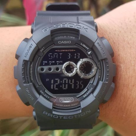 Casio g-shock 200m (black numbers)