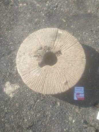 Жерновой камень ручной мельницы