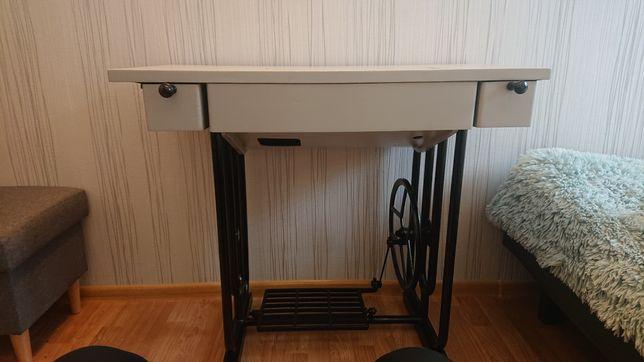 Biurko stolik z maszyny do szycia