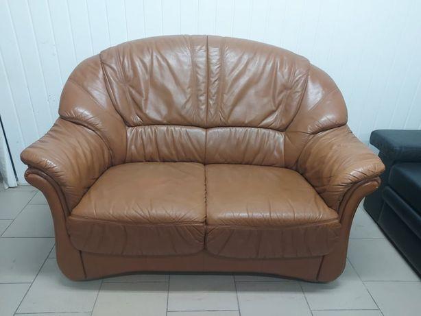 Двомісний шкіряний диван, меблі б/в з Європи, ретро меблі
