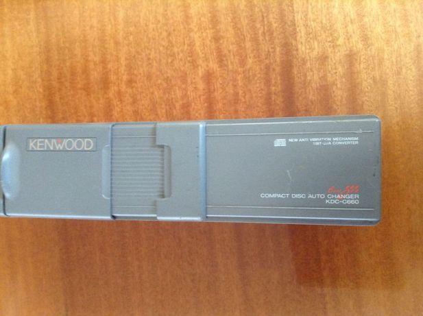KENWOOD -Samochodowa zmieniarka na 6 płyt CD .