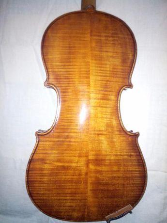 Мастеровая немецкая скрипка начала 20 века.