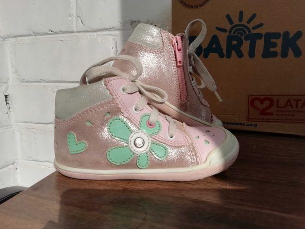 Ботинки  для девочки демисезонные Bartek 23 размер.
