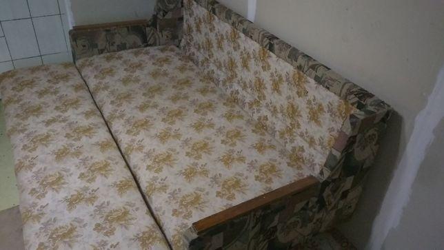 диван раскладной в хорошем состоянии