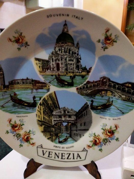 Тарелка декоративная с подставкой Венеция Белая Церковь - изображение 1