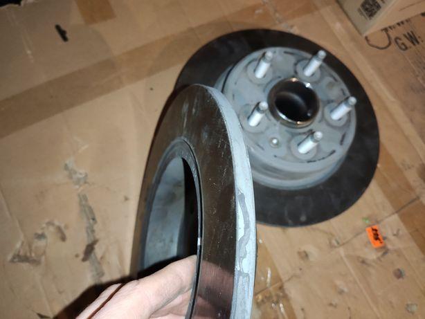Chevrolet volt 2. Задние: цапфа, ступица, диск. Состояние новых