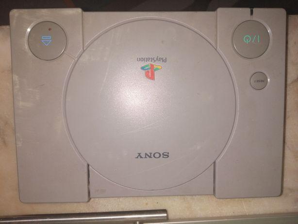 Playstation 1 com todo o equipamento necessário