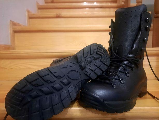 Buty wojskowe/harcerskie - wzór 933