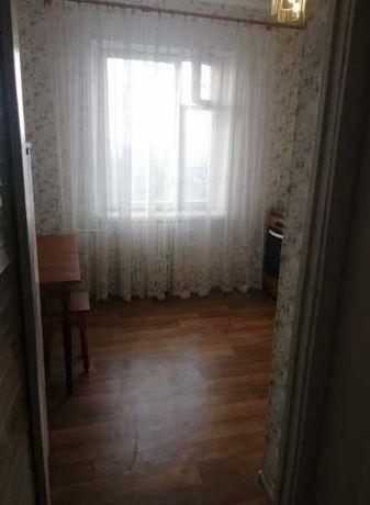 ОДНОкімнатна квартира по Карнаухова. Середній поверх.